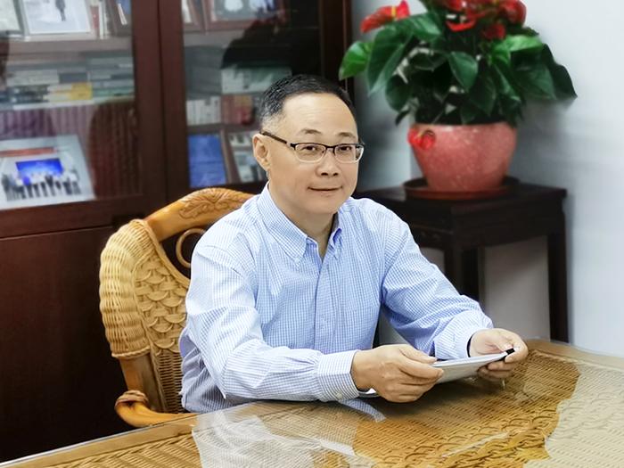 嘉宾:深圳市政府副秘书长、市信访局党组书记、局长程正华
